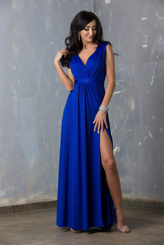 Niebieska brokatowa długa suknia wieczorowa na ramiączkach