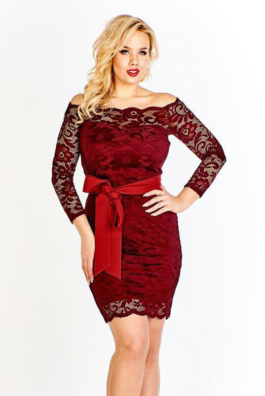 a938c56a40b988 Bordowa koronkowa dopasowana mini sukienka Veronica. Sukienki PLUS ...